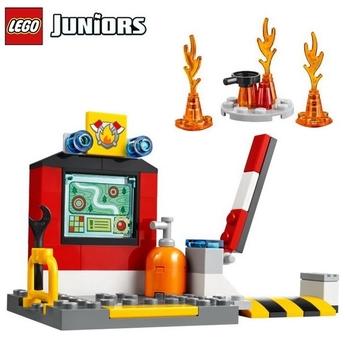 LEGO JUNIORS Пожарна в куфарче Fire Suitcase, 10685